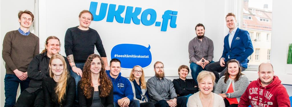 Ukko.fi:n työntekijät ryhmäkuvassa