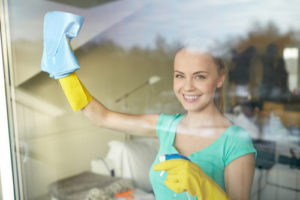 Siivooja kotisiivous