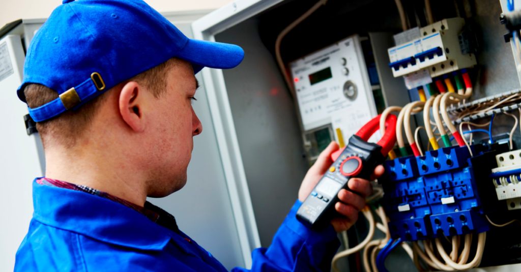 Sähköasentajia työpaikat PK-Seutu