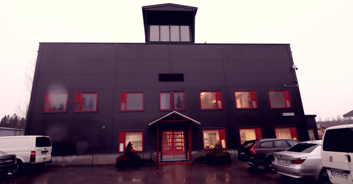 Asiakastarina – Yritys: Suomen Energiamurske Oy 1/2